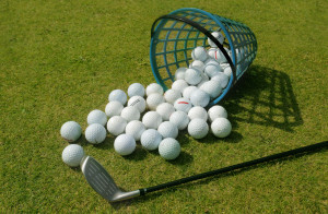 Set-of-Golf-Balls-with-Golf-Club-Wallpaper